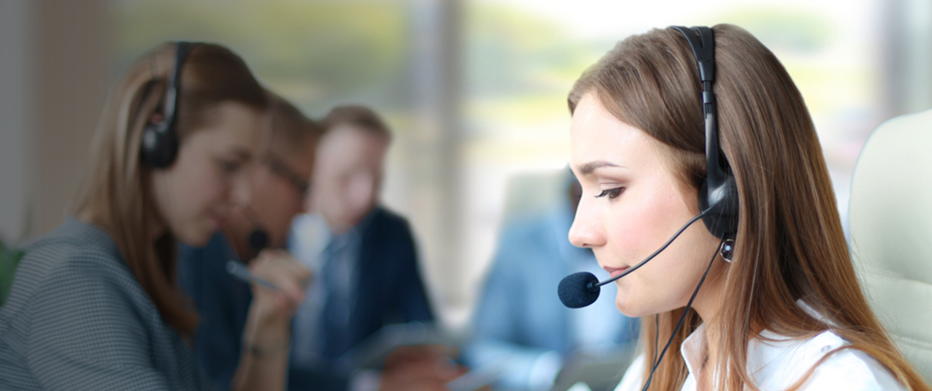 Lady at G4S 24 hour monitoring call centre